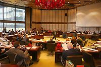 Ludwigshafen. 11.12.17 | <br /> Die Mitglider des Ludwigshafener Stadtrats w&auml;hlen die neuen B&uuml;rgermeister (Dezernenten)<br /> <br /> Bild: Markus Prosswitz 11DEC17 / masterpress (Bild ist honorarpflichtig - No Model Release!) <br /> BILD- ID 01345 |