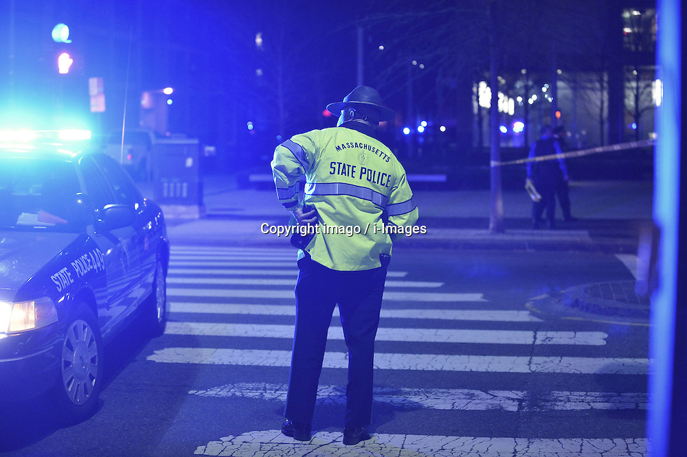 59537934 .Policemen blank off the Massachusetts Institute of Technology (MIT) campus in Boston, the United States, April 19, 2013. The police officer who was shot on the MIT campus in Boston Thursday night has died, CNN reported on Thursday,18 April, 2013. Friday 19, April. Photo by: imago / i-Images..UK ONLY