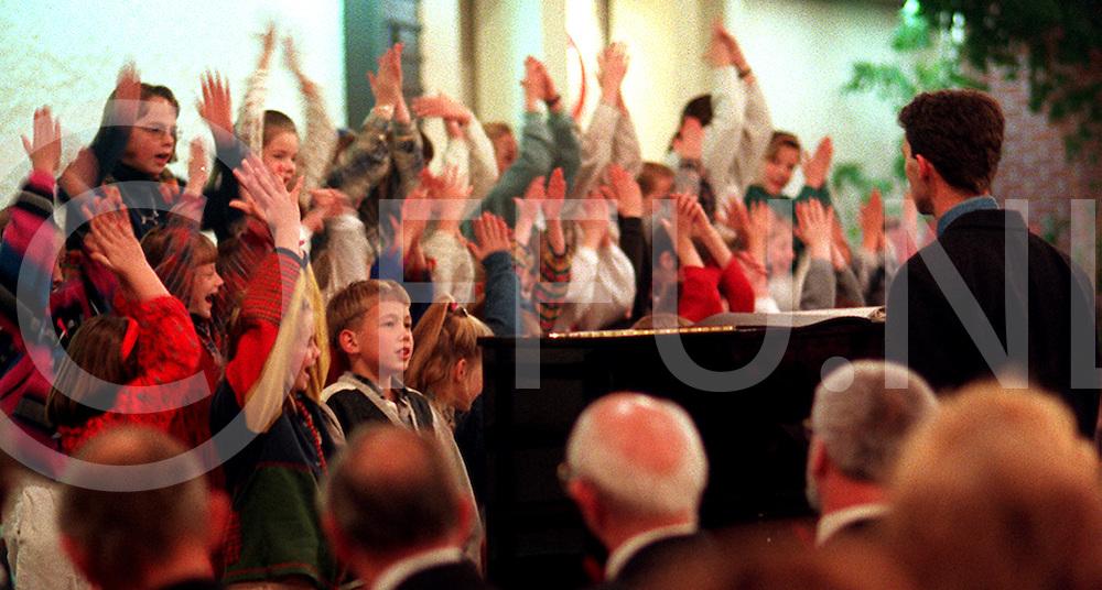 heemse kinderkoor jong heemse.foto frank uijlenbroek@1995/dio