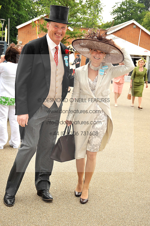 JOHN & RACHEL GOSDEN at the Royal Ascot racing festival 2009 held on 17th June 2009.