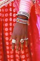 Inde - Rajasthan - Main et bijoux // India. Rajasthan. Hand and Jewel