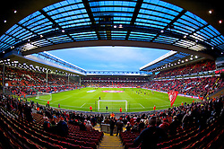 LIVERPOOL, ENGLAND - Sunday, December 13, 2009: Liverpool's Anfield Stadium fills up before the Premiership match against Arsenal at Anfield. (Photo by: David Rawcliffe/Propaganda)