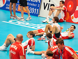 17.09.2011, Stadthalle, Wien, AUT, CEV, Europaeische Volleyball Meisterschaft 2011, Halbfinale, Italien vs Polen, im Bild die polnische Mannschaft nach der Niederlage // during the european Volleyball Championship Semi Final Italy vs Poland, at Stadthalle, Vienna, 2011-09-17, EXPA Pictures © 2011, PhotoCredit: EXPA/ M. Gruber
