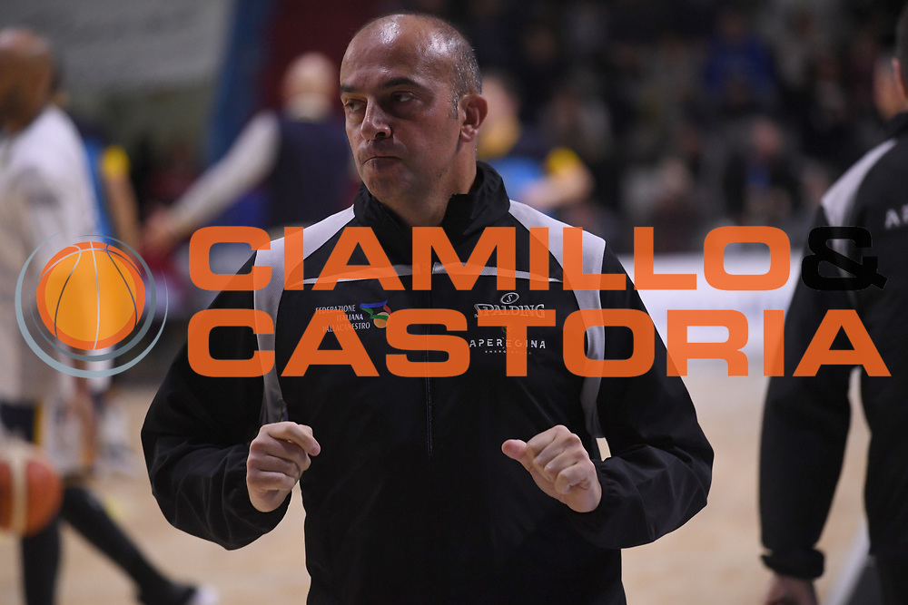 Gianluca Sardella arbitro<br /> Vanoli Cremona - Fiat Auxilium Torino<br /> LegaBasket Serie A 2017/2018<br /> Cremona, 18/03/2018<br /> Foto M.Ceretti / Ciamillo-Castoria