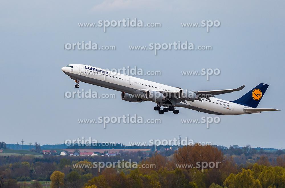 THEMENBILD - ein Airbus A340-642 Flugzeug der deutschen Fluglinie Lufthansa mit der Kennung D-AIHV, aufgenommen am 13. April 2017, Flughafen München, Deutschland // an Airbus A340-642 aircraft of the German Airline Lufthansa with the registration number D-AIHV at the Munich Airport, Germany on 2017/04/13. EXPA Pictures © 2017, PhotoCredit: EXPA/ JFK