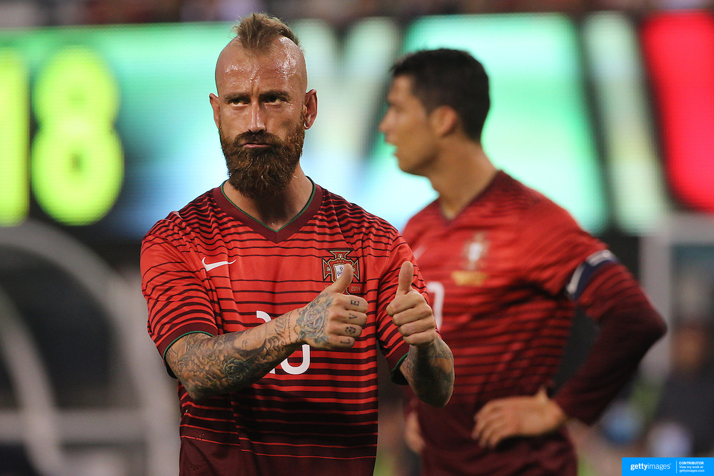 Raul Meireles, Portugal, during the Portugal V Ireland International Friendly match in preparation for the 2014 FIFA World Cup in Brazil. MetLife Stadium, Rutherford, New Jersey, USA. 10th June 2014. Photo Tim Clayton