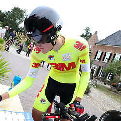29-09-2016: Wielrennen: Olympia Tour: Elten <br /> ELTEN (DLD) wielrennen <br /> Een individuele tijdrit met start in Kasteel  's Heerenberg en finish op de Elterberg. Concentratie bij de start bij leider Pavel Sivakov