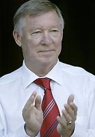 Photo: Aidan Ellis.<br /> Wigan Athletic v Manchester United. The Barclays Premiership. 14/10/2006.<br /> United's Sir Alex Ferguson applauds his teams performance