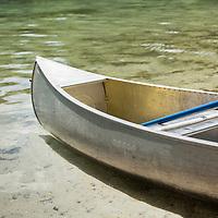 Canoe at the edge of lake, Silver Glen Springs, Ocala, FL