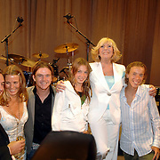 NLD/Rotterdam/20060923 - Premiere Willeke Alberti tour `Goud `, kinderen en kleinkinderen, Kai, Danielle Oonk, Johnny de Mol, Estelle, Willeke, Davey