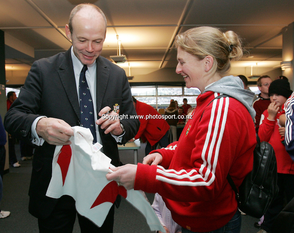 Lions coach Clive Woodward signs autographs at Carisbrook, Dunedin, New Zealand on Sunday June 19, 2005. Photo: Hannah Johnston/PHOTOSPORT