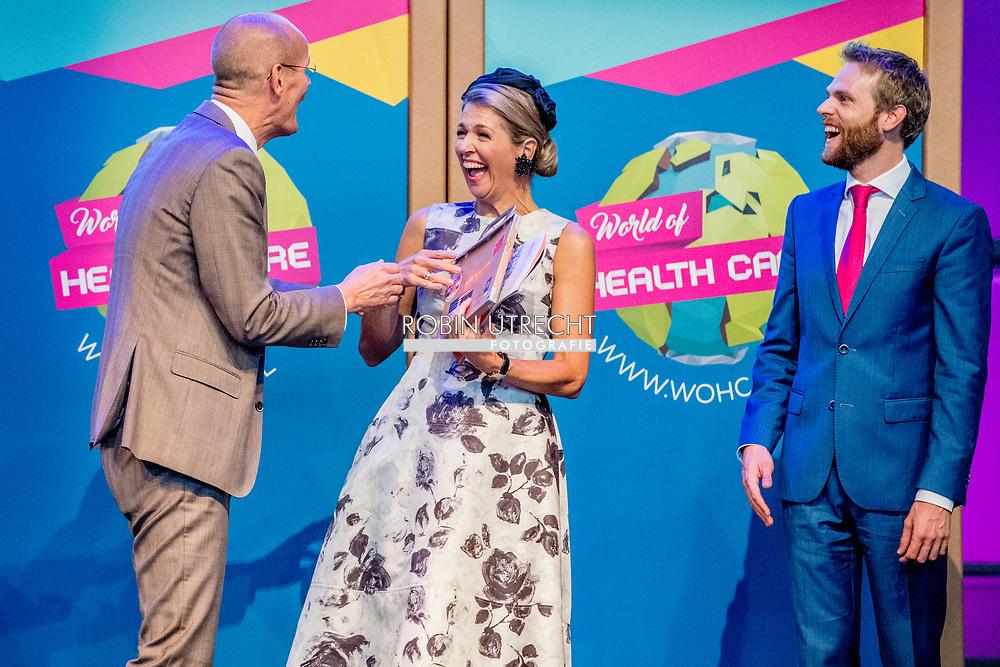 DEN HAAG - Koningin Maxima bij het congres World of Health Care 2017 in de Fokker Terminal. ANP ROYAL IMAGES ROBIN UTRECHT