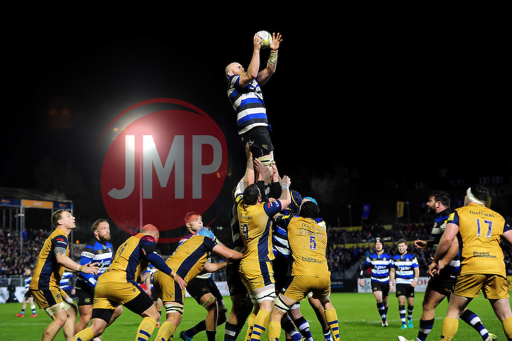 Matt Garvey of Bath Rugby wins the ball at a lineout - Mandatory byline: Patrick Khachfe/JMP - 07966 386802 - 18/11/2016 - RUGBY UNION - The Recreation Ground - Bath, England - Bath Rugby v Bristol Rugby - Aviva Premiership.