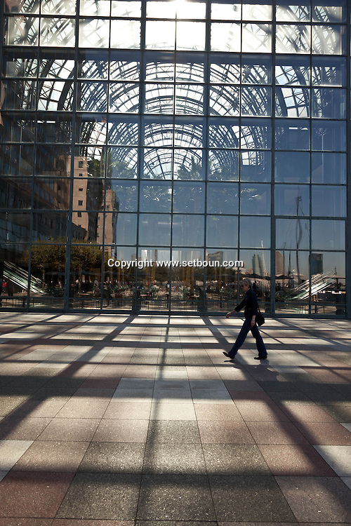 New York. the world financial center . the atrium and winter garden of   Lighting- United States  / le jardin d hiver atrium du le world financial center ,   New York - Etats Unis