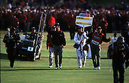 MARK O'MEARA WALKS UP 18TH TO WIN<br />