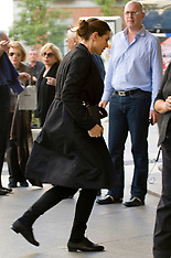 OCT 22 2012 Charlotte Casiraghi Shopping