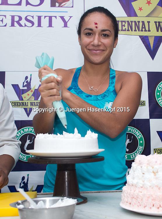 Champions Tennis League 2015, Chennai,Heather Watson (GBR) dekoriert eine Torte  im Kochstudio,<br /> <br /> <br /> Tennis - Champions Tennis League 2015 -  -   - Chennai - Tamil Nadu - India  - 25 November 2015. <br /> &copy; Juergen Hasenkopf