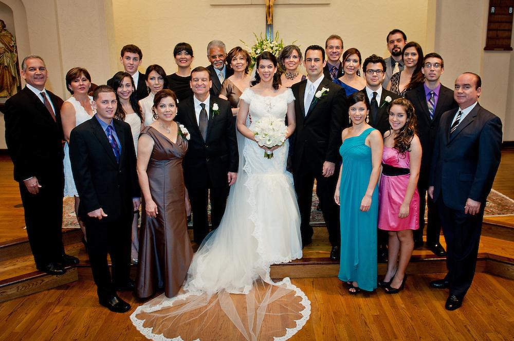 10/9/11 6:04:59 PM -- Zarines Negron and Abelardo Mendez III wedding Sunday, October 9, 2011. Photo©Mark Sobhani Photography