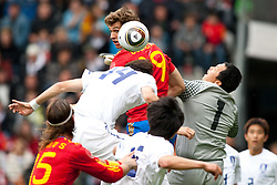 03.06.2010, Tivoli, Innsbruck, AUT, FIFA Worldcup Vorbereitung, Testspiel Spanien (ESP) vs Sued Korea (KOR), im Bild Kopfball Fernando Llorente ( ESP, #19 ) vs Lee Jung-soo ( KOR #14 ). EXPA Pictures © 2010, PhotoCredit: EXPA/ J. Groder / SPORTIDA PHOTO AGENCY
