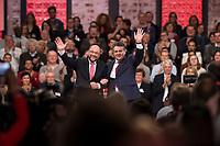 19 MAR 2017, BERLIN/GERMANY:<br /> Martin Schulz (L), SPD, designierter SPD Parteivorsitzender und Spitzenkandidat der Bundestagswahl, und Sigmar Gabriel, SPD, Bundesaussenminister und scheidender SPD Parteivorsitzender, nach Gabriels Abschiedsrede, a.o. Bundesparteitag, Arena Berlin<br /> IMAGE: 20170319-01-018<br /> KEYWORDS: party congress, social democratic party, candidate, Applaus, applause, Jubel, klatschen, winken