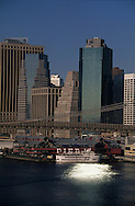 New York.  lower manhattan  on east river  and Brooklyn bridge and Pier 17. view from Manhattan bridge New york  Usa /   Lower Manhattan et le pont de Brooklyn vu depuis le pont de Manhattan ,New york  USa