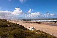 Europa, Niederlande, am Strand von Domburg auf Walcheren, Buhnen.<br /> <br /> Europe, Netherlands, at the beach in Domburg on the peninsula Walcheren, groins.