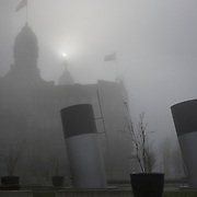 Nederland Rotterdam 7 maart 2009 20090307 Foto: David Rozing ..Hotel New op kop van zuid in de mist, in de ochtend. Foggy weather in the morning, hotel new york ..Foto: David Rozing