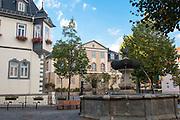 Marktplatz mit Hennebrunnen, Rathaus und Amthaus (GoetheStadtMuseum), Ilmenau, Thüringen, Deutschland   market square, Ilmenau, Thuringia, Germany