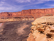 View of the Green RIver as it meanders in the area of Fort Bottom, Island in the Sky District, Canyonlands National Park, Moab, Utah, USA.