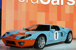 09 February 2006:  Ford GT, heritage colors.....Chicago Automobile Trade Association, Chicago Auto Show, McCormick Place, Chicago IL