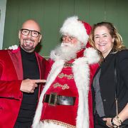 NLD/Amsterdam/20181206 - Sky Radio's Christmas Tree For Charity, Maik de Boer en Paulien Huizinga met de kerstman