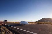 De Super Ketta Machine 162 met Ryohei Komori tijdens de vijfde racedag. In Battle Mountain (Nevada) wordt ieder jaar de World Human Powered Speed Challenge gehouden. Tijdens deze wedstrijd wordt geprobeerd zo hard mogelijk te fietsen op pure menskracht. Het huidige record staat sinds 2015 op naam van de Canadees Todd Reichert die 139,45 km/h reed. De deelnemers bestaan zowel uit teams van universiteiten als uit hobbyisten. Met de gestroomlijnde fietsen willen ze laten zien wat mogelijk is met menskracht. De speciale ligfietsen kunnen gezien worden als de Formule 1 van het fietsen. De kennis die wordt opgedaan wordt ook gebruikt om duurzaam vervoer verder te ontwikkelen.<br /> <br /> In Battle Mountain (Nevada) each year the World Human Powered Speed Challenge is held. During this race they try to ride on pure manpower as hard as possible. Since 2015 the Canadian Todd Reichert is record holder with a speed of 136,45 km/h. The participants consist of both teams from universities and from hobbyists. With the sleek bikes they want to show what is possible with human power. The special recumbent bicycles can be seen as the Formula 1 of the bicycle. The knowledge gained is also used to develop sustainable transport.