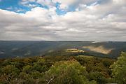 Blick über den Odenwald vom Katzenbuckel, Walldürn, Odenwald, Naturpark Bergstraße-Odenwald, Baden-Württemberg, Deutschland | view from Katzenbuckel over Odenwald, Odenwald, Baden-Wuerttemberg, Germany