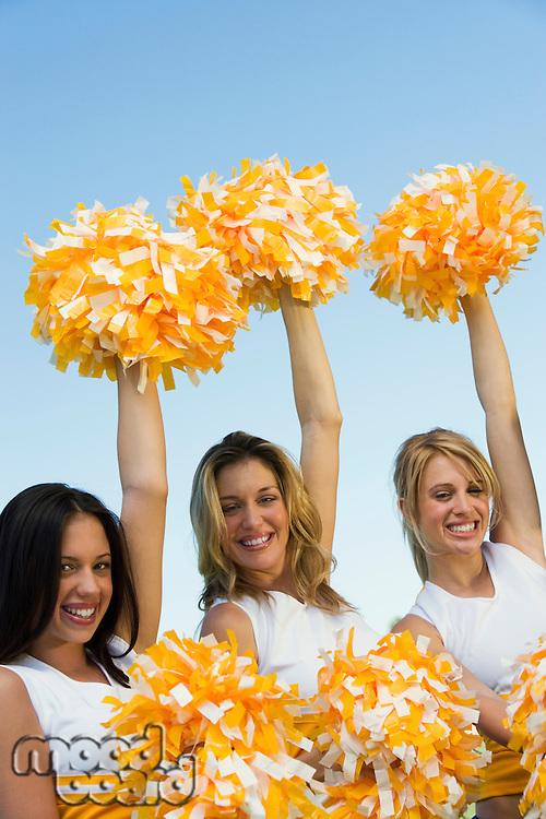 Cheering Cheerleaders