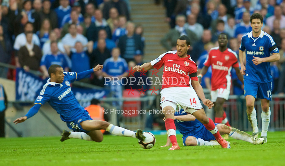 LONDON, ENGLAND - Saturday, April 18, 2009: Arsenal's Theo Walcott and Chelsea's Ashley Cole during the FA Cup Semi-Final match at Wembley. (Photo by: David Rawcliffe/Propaganda)