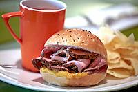 roast beef sandwich,sandwiches,