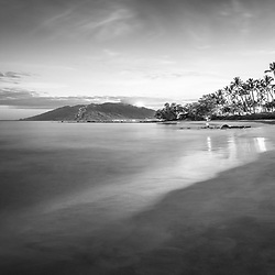 Maui Hawaii sunrise black and white photo in Wailea Makena with Ulua Beach, Ulua Beach Park, Maalaea Bay and the Pacific Ocean. Copyright ⓒ 2019 Paul Velgos with All Rights Reserved.
