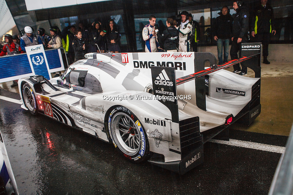 #20 Porsche 919 Hybrid, of Team Porsche, (drivers: Webber/Bernhard/ Hartley) at first free practice on Friday, 18th April, at the Silverstone 6h 2014