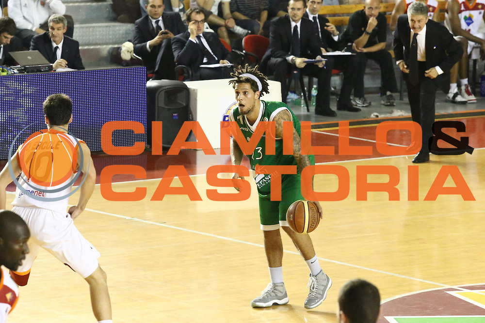 DESCRIZIONE : Roma Lega A 2012-13 Acea Roma Montepaschi Siena <br /> GIOCATORE : Daniel Hackett<br /> CATEGORIA : palleggio<br /> SQUADRA : Montepaschi Siena <br /> EVENTO : Campionato Lega A 2012-2013 <br /> GARA : Acea Roma Montepaschi Siena <br /> DATA : 12/11/2012<br /> SPORT : Pallacanestro <br /> AUTORE : Agenzia Ciamillo-Castoria/M.Simoni<br /> Galleria : Lega Basket A 2012-2013  <br /> Fotonotizia :  Roma Lega A 2012-13 Acea Roma Montepaschi Siena <br /> Predefinita :
