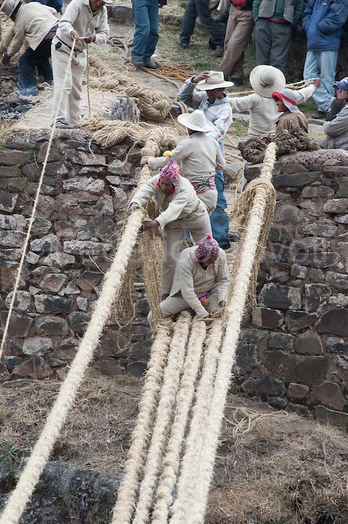 Victoriano Arizapana Huayhua, builder in chief of Q'eswachaka bridge, at work.