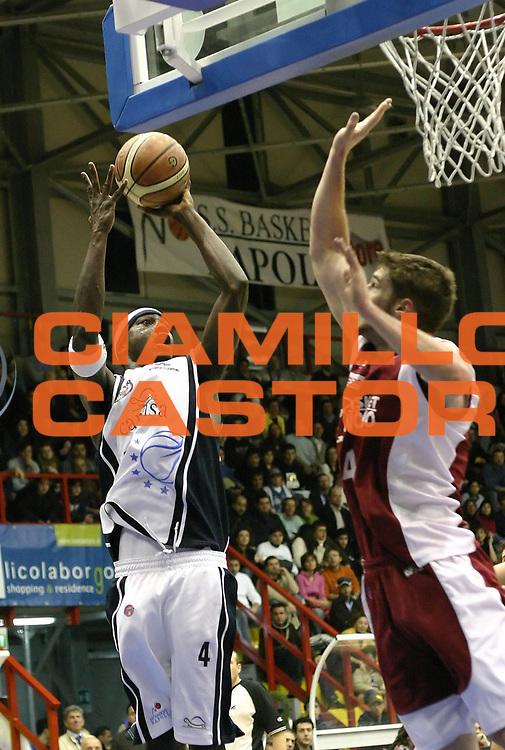 DESCRIZIONE : Napoli Lega A1 2005-06 Carpisa Napoli Basket Livorno<br /> GIOCATORE : Sesay<br /> SQUADRA : Carpisa Napoli<br /> EVENTO : Campionato Lega A1 2005-2006<br /> GARA : Carpisa Napoli Basket Livorno<br /> DATA : 12/03/2006<br /> CATEGORIA : <br /> SPORT : Pallacanestro<br /> AUTORE : Agenzia Ciamillo-Castoria/A.De Lise