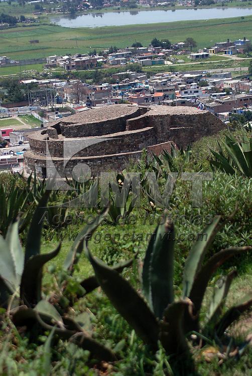 Calixtlahuaca, Mex.- Aspecto de las piramides de Calixtlahuaca. Agencia MVT / Alfonso Garcia. (DIGITAL)<br /> <br /> <br /> <br /> <br /> <br /> <br /> <br /> NO ARCHIVAR - NO ARCHIVE