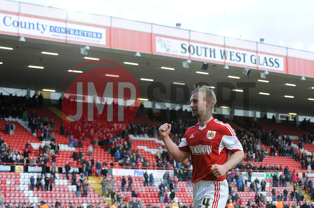 Bristol City's Simon Gillett celebrates the win at the end of the game - Photo mandatory by-line: Dougie Allward/JMP - Tel: Mobile: 07966 386802 01/03/2014 - SPORT - FOOTBALL - Bristol - Ashton Gate - Bristol City v Gillingham - Sky Bet League One
