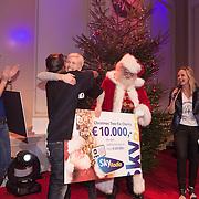NLD/Hilversum /20131210 - Sky Radio Christmas Tree For Charity 2013, winnaars Nicholas Shaker en Anita Witzier