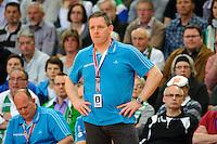Trainer Alfred Gislason (THW) angespannt