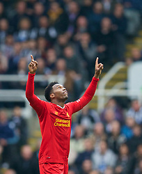 19.10.2013, St. James Park, New Castle, ENG, Premier League, ENG, Premier League, Newcastle United vs FC Liverpool, 8. Runde, im Bild Liverpool's Daniel Sturridge celebrates scoring the second goal against Newcastle United // during the English Premier League 8th round match between Newcastle United and Liverpool FC St. James Park in New Castle, Great Britain on 2013/10/19. EXPA Pictures © 2013, PhotoCredit: EXPA/ Propagandaphoto/ David Rawcliffe<br /> <br /> *****ATTENTION - OUT of ENG, GBR*****