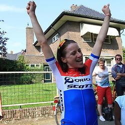 29-08-2017: Wielrennen: Boels Ladies Tour: Wageningen: Annemiek van Vleuten wint de proloog in haar eigen Wageningen voor Ellen van Dijk en Lisa Brennauer.