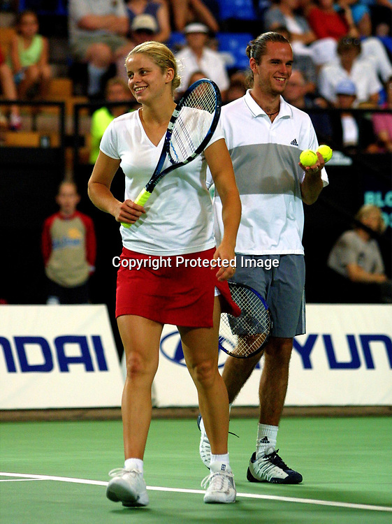 Sport,Tennis,Hopman Cup in Perth,Australien,Mixed<br /> Doubles WM, Team Belgien, Kim Clijsters und Xavier Malisse  in Aktion,action , 04.01.2002<br /> Foto:Juergen Hasenkopf