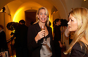 Anneka Rice, Jo Malone 10th anniversary party. The Undercroft, The  Banqueting House. Whitehall. 21 October 2004. ONE TIME USE ONLY - DO NOT ARCHIVE  © Copyright Photograph by Dafydd Jones 66 Stockwell Park Rd. London SW9 0DA Tel 020 7733 0108 www.dafjones.com