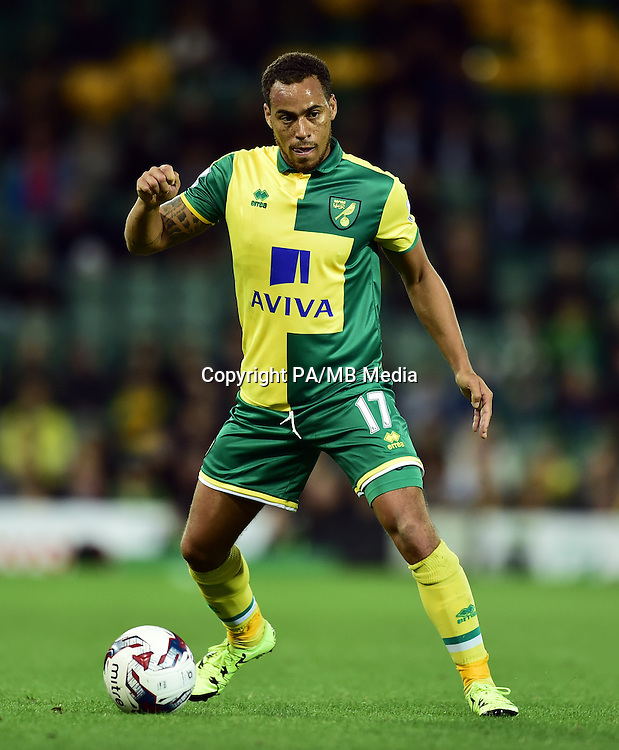 """Norwich City's Elliott Bennett during the Capital One Cup, third round match at Carrow Road, Norwich. PRESS ASSOCIATION Photo. Picture date: Wednesday September 23, 2015. See PA story SOCCER Norwich. Photo credit should read: Adam Davy/PA Wire. RESTRICTIONS: EDITORIAL USE ONLY No use with unauthorised audio, video, data, fixture lists, club/league logos or """"live"""" services. Online in-match use limited to 45 images, no video emulation. No use in betting, games or single club/league/player publications."""